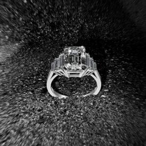 6 diamonds ring 《Edouard Nahum》