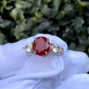 Burma Ruby Oval Vivid Red (Switzerland)