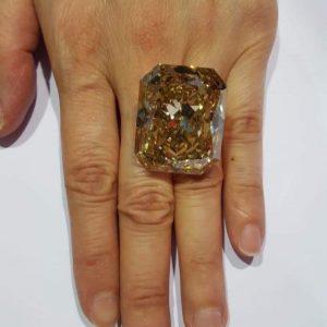 Diamond deep brownish greenish yellow (Hong Kong )
